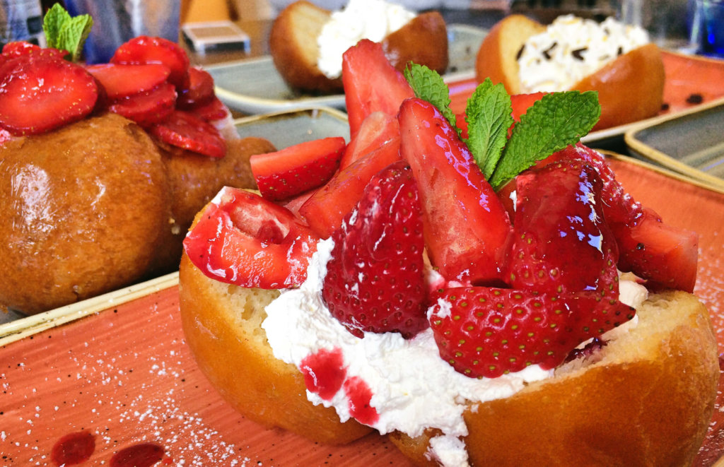 baba aux fraises ll Ristorante